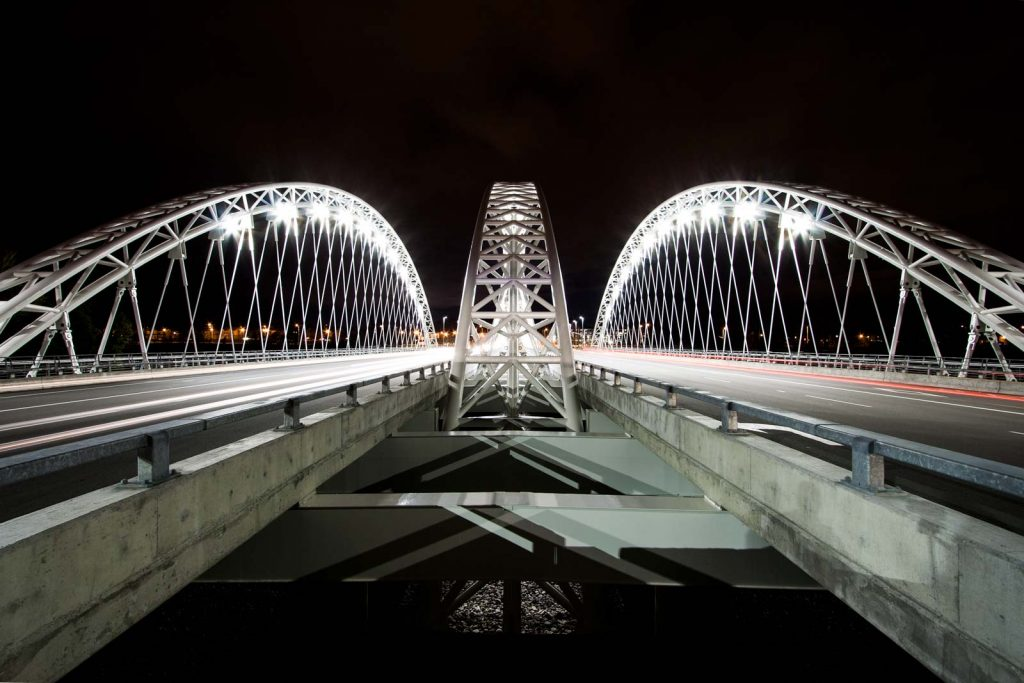 A night time view of Vimy Bridge in Ottawa